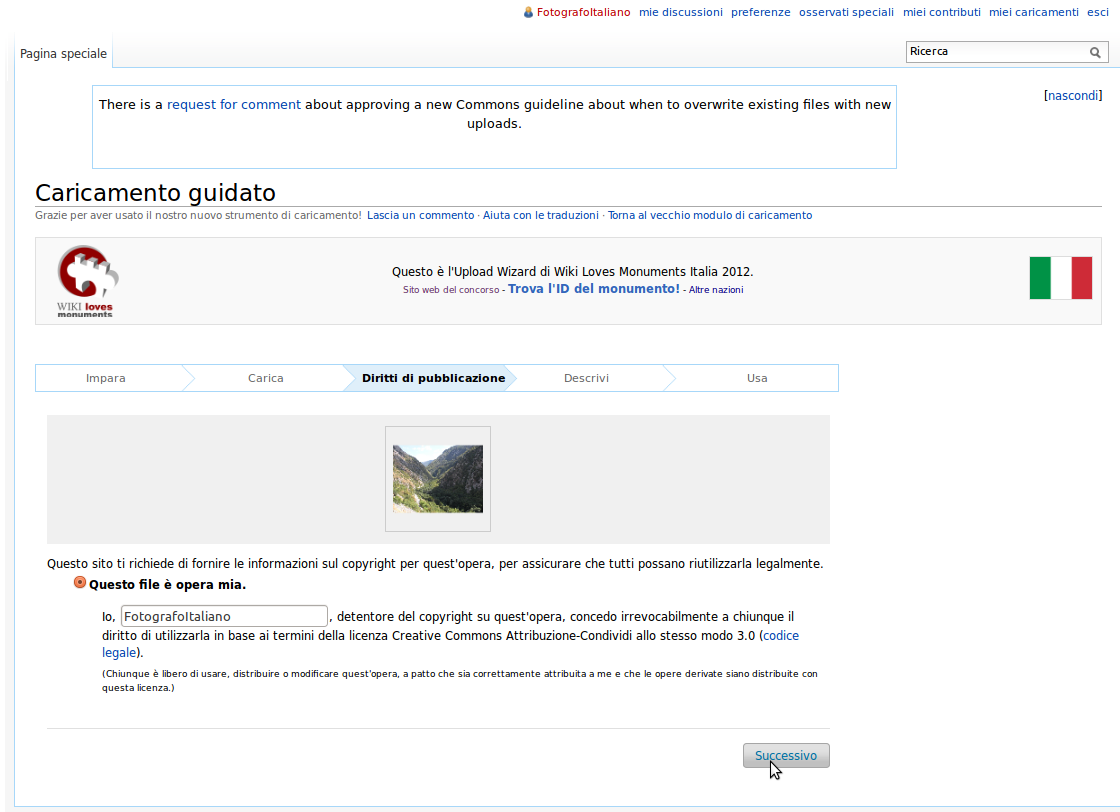 Screenshot dell'Upload Wizard di Wikimedia Commons con la dichiarazione di paternità della foto.
