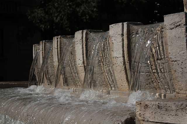 Fontana_dei_due_fiumi_-_dettaglio