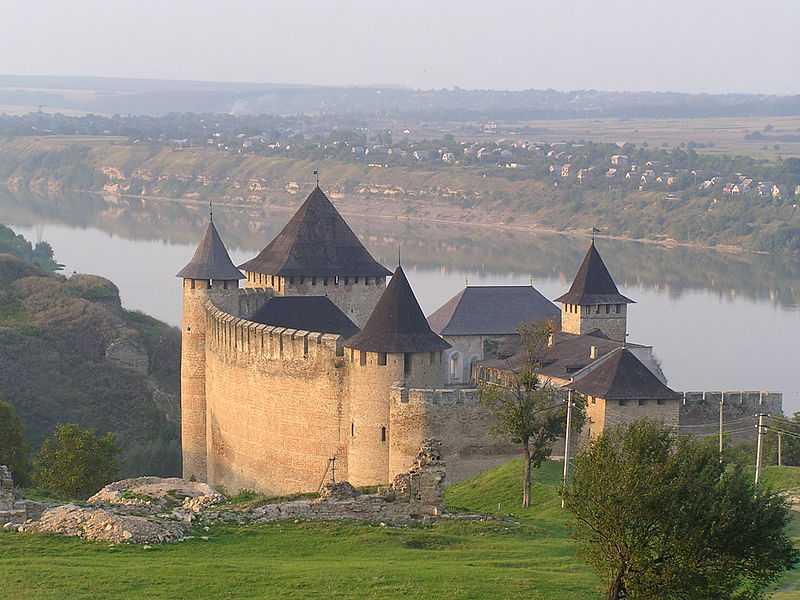 3° posto: fortezza di Khotyn, Khotyn, Chernivtsi Oblast. CC-BY-SA Denis Vitchenko