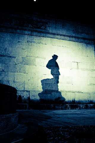 L'Omo - Monumento al Tessitore, Schio - Foto di nromagna [Licenza CC-BY-SA 3.0]