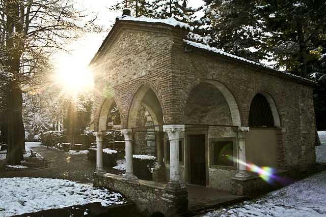 Oratorio di Santa Maria in Valle (Madonna della Salute), Schio - Foto di Elena Bellotto [Licenza CC-BY-SA 3.0]