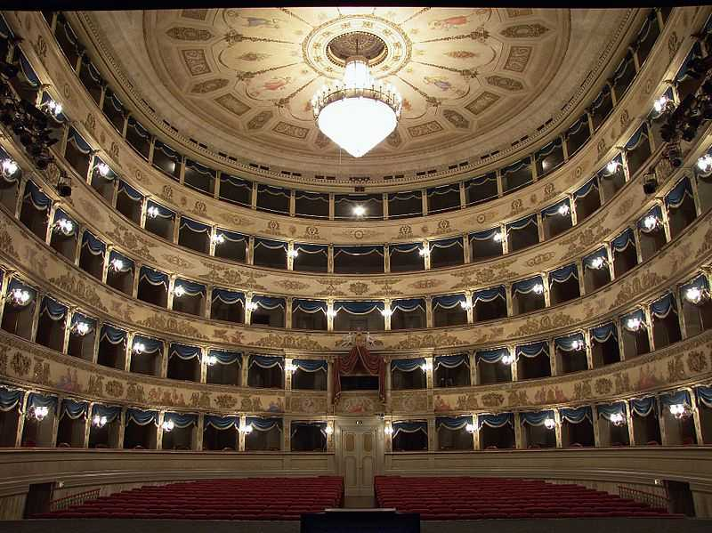 Teatro Dante Alighieri, Ravenna. Foto di Lorenzo Gaudenzi [Licenza CC-BY-SA]