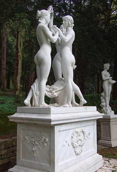 Le Tre Grazie, Villa d'Ayala (Valva, SA) - CC-BY-SA Cdimaio53