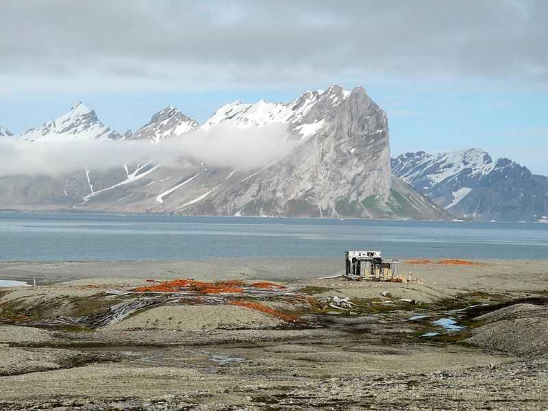 Cabina Konstantinovka, Svalbard. CC-BY-SA China Crisis