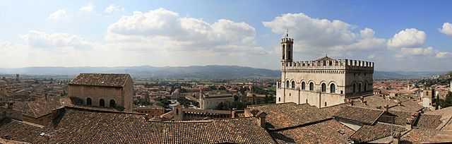 Palazzo Ducale di Gubbio - Foto di Maxmar69 [Licenza CC-BY-SA 3.0 con vincolo MiBAC]