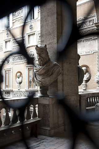 Particolare della Biblioteca di Storia Moerna e Contemporanea di Roma - foto di Maristela Possamai [Licenza CC-BY-SA 3.0 con vincolo MiBAC]
