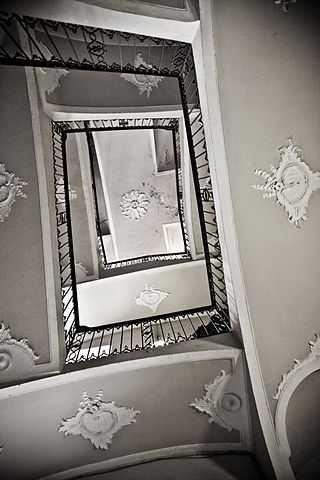 Veduta dal basso della Torre Ottolenghi -  Foto di Marco Odina [Licenza CC-BY-SA 3.0]