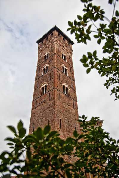 Veduta Esterna della Torre Troyana di Asti. Foto di Marco Odina [licenza CC-BY-SA 3.0]