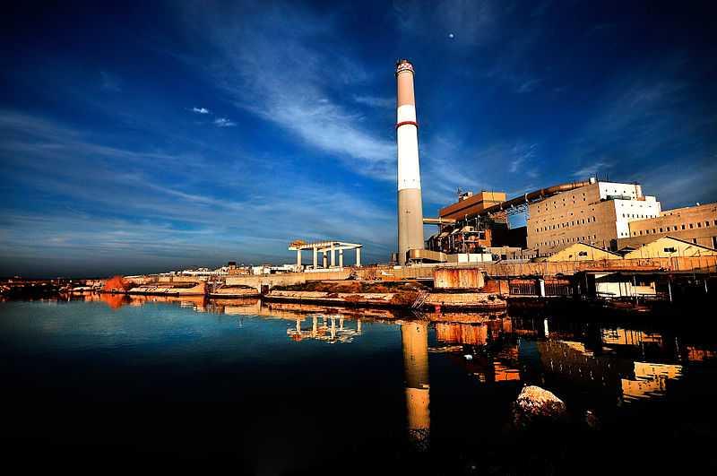 5° posto: centrale elettrica di Reading, Tel Aviv. CC-BY-SA Daniel Winter