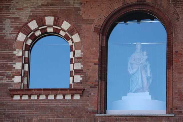 Palazzo del Broletto, particolare (Pavia) - Foto di Quaro75 [Licenza CC-BY-SA 3.0]