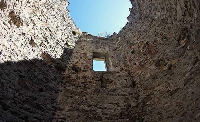 Torre di Pramotton (AO) - Foto di Rosario Lepore [Licenza CC-BY-SA 3.0]