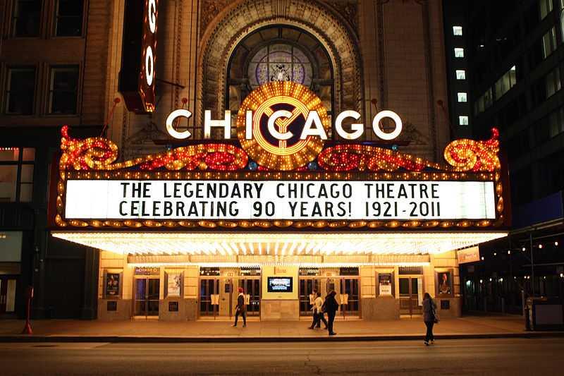 Chicago Theater, Illinois. CC-BY-SA Raymon Sutedjo-The