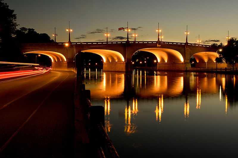 3° posto: Ponte di Bank Street, Ottawa. CC-BY-SA Gregvgregv