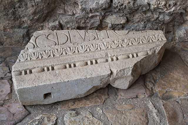 Tempietto del Clitunno (PG) - foto di Acul reip [licenza CC-BY-SA 3.0 con vincolo MiBAC]
