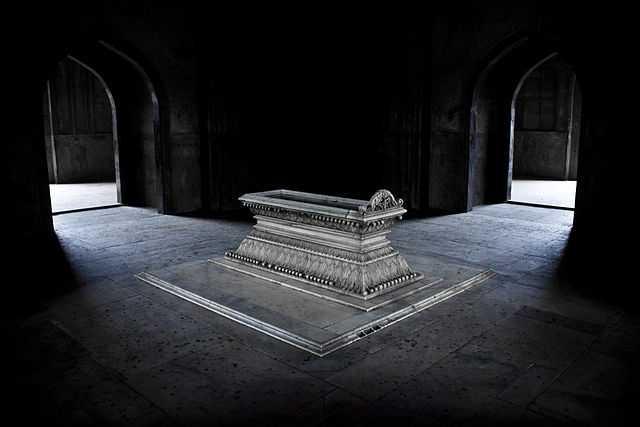 La Tomba de Safdarjung, a Nuova Deli, foto vincitrice del concorso internazionale del 2012, di Pranav Singh (licenza CC-BY-SA). Quest'anno vogliamo un monumento italiano al primo posto!