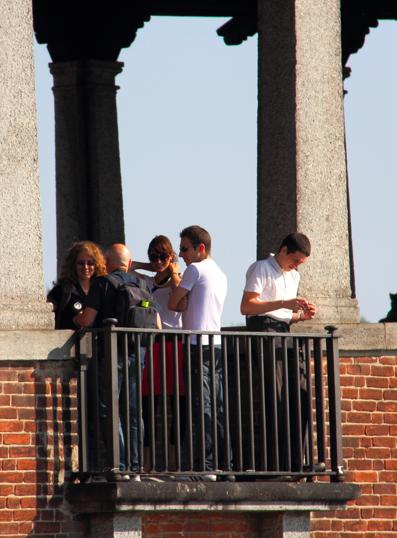 Volontari e partecipanti durante la wikigita di settembre 2012 a Pavia. Ci stavamo divertendo :) [Foto: Quaro75, licenza CC-BY-SA]