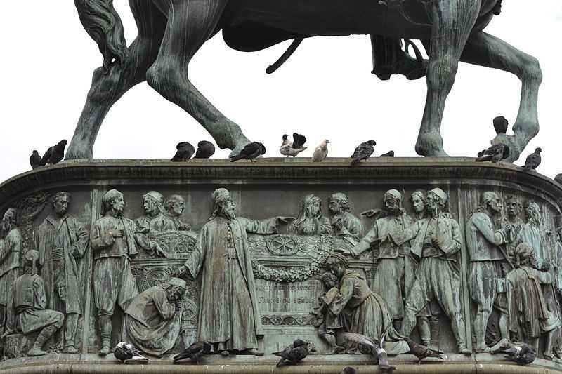 3° posto: bassorilievo sulla scultura del principe Michael, Belgrado. CC-BY-SA Krumb77