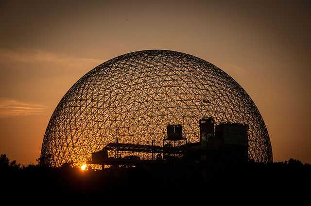 Biosfera a Montreal (Canada) - Foto di guilhermeduartegarcia [Licenza CC-BY-SA 3.0] - 10° classificato Wiki Loves Monuments 2013