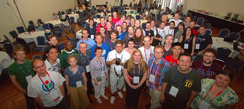 Alcuni dei volontari che partecipano all'organizzazione di Wiki Loves Monuments -foto di Pierre-Selim CC-BY-SA