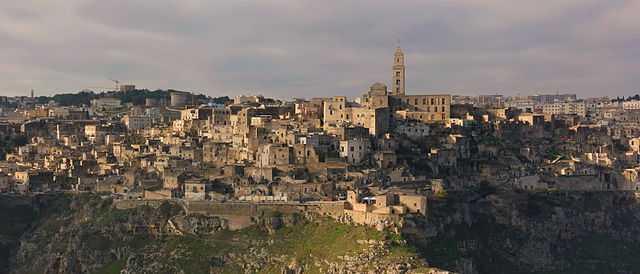 Una foto panoramica di Matera. [Foto di Mattis, licenza CC-BY-SA]
