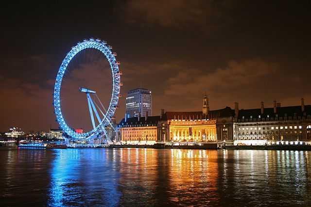 640px-London_Eye_at_night_2