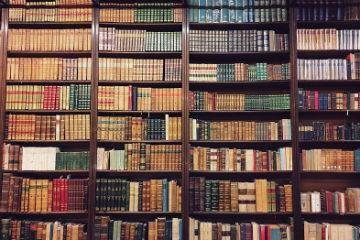 bookcases_at_libreria_nanni_in_bologna_thumb