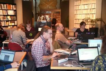 participants_learning_at_nzspecies_web_thumb