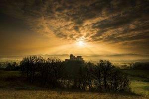 640px-torrechiara_luci_al_tramonto