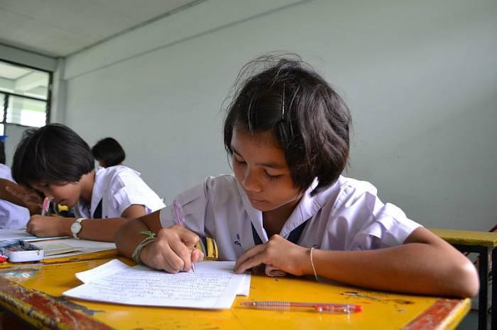 800px-thung_kalo_witthaya_school_05_web