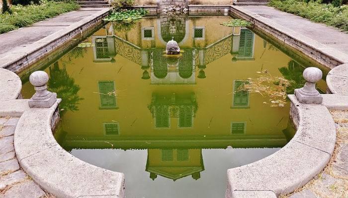 riflessi_nella_piscina_web