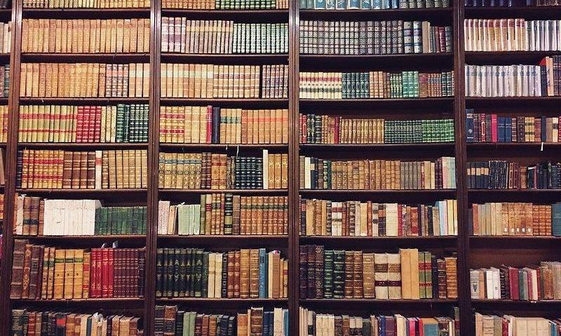 bookcases_at_libreria_nanni_in_bologna