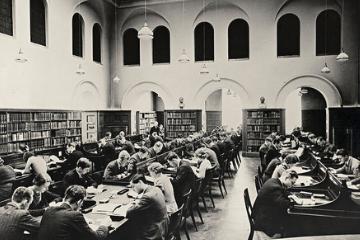 Lesesalen_ved_Universitetsbiblioteket_thumb