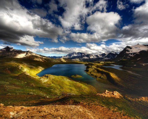 lago rosset in piemonte per la giornata internazionale dall'ambiente